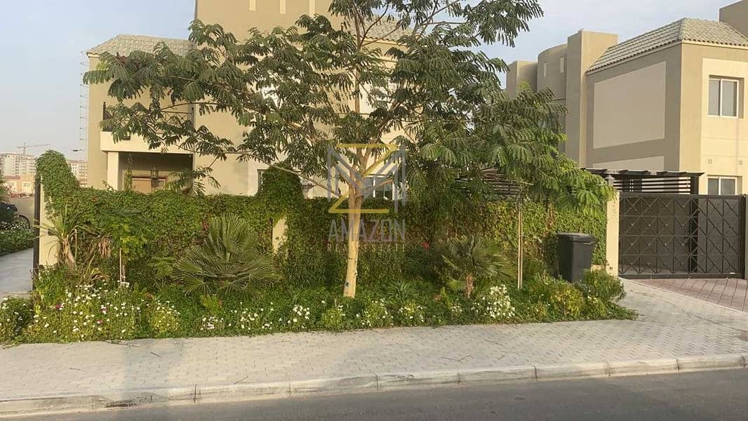 21 5 BEDROOMS-HUGE VILLA -CLOSE TO DOWNTOWN-PAYMENT PLAN OPTION AVAILBLE