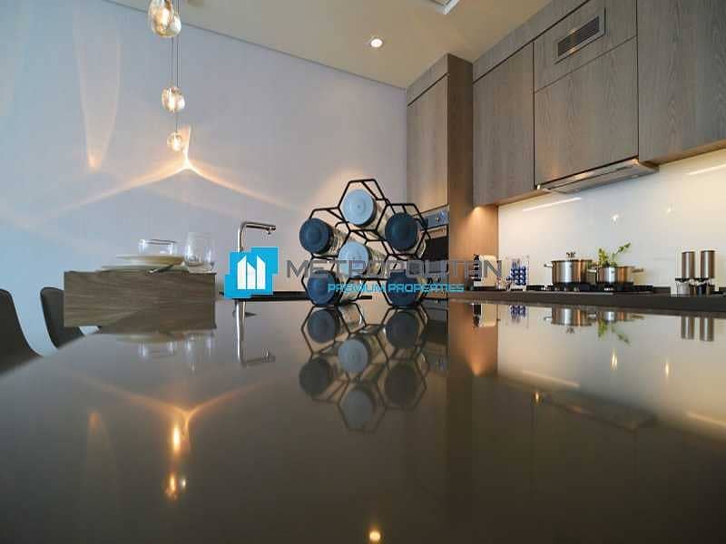 10 Luxurious Penthouse | Panoramic Views | Upgraded
