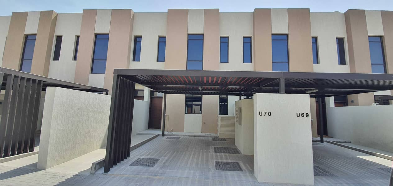 New luxury 2bedroom Townhouse 1800sqft rent 55k in 1chqs in nasma residences al tai sharjah