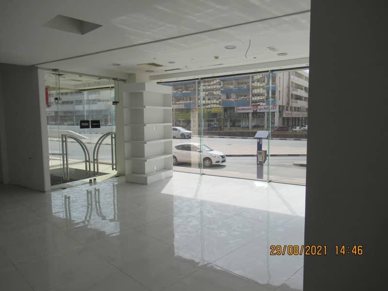 معرض تجاري في مبنى الكرامة الجديد الكرامة 406000 درهم - 5377945