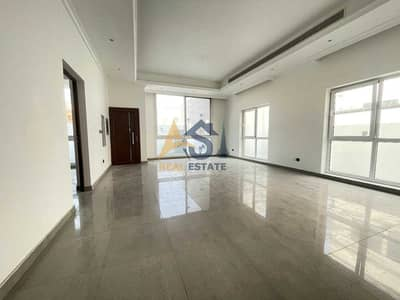 4 Bedroom Villa for Rent in Umm Suqeim, Dubai - Villa with Four Rooms and Two Parkings