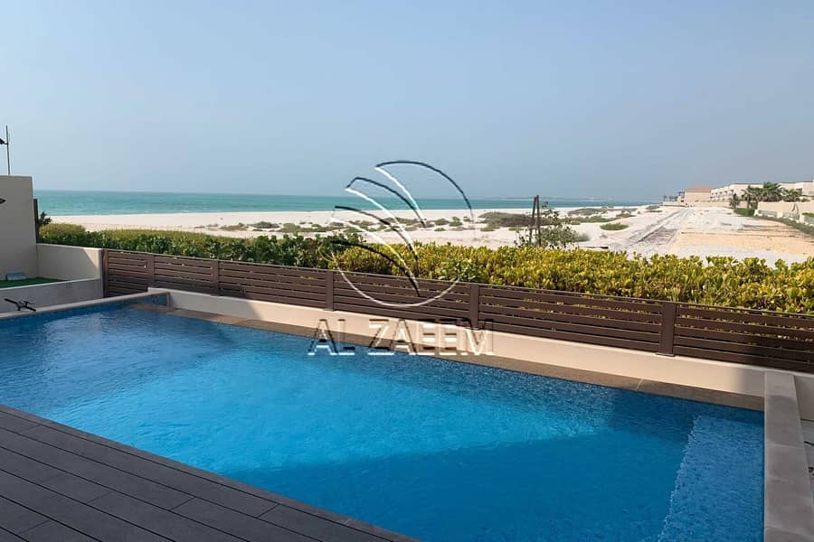 Luxury Living In Hidd! Beach Front Home Or Vacation Destination