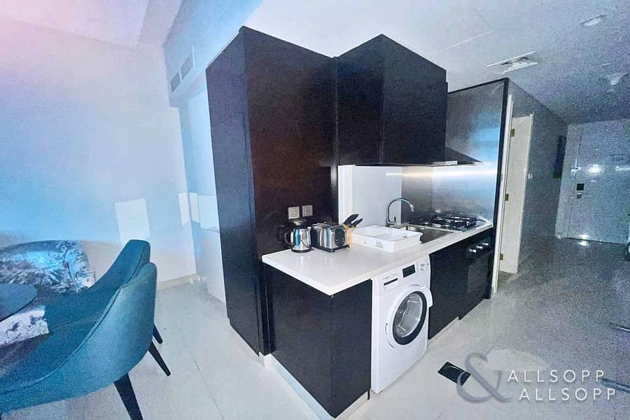 2 Fully Furnished Studio   VACANT   Downtown