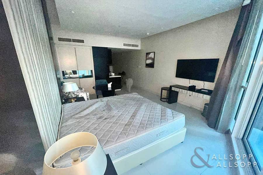 Fully Furnished Studio   VACANT   Downtown