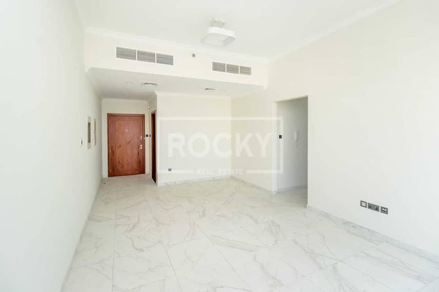 13 Months High Floor No Balcony Sea View