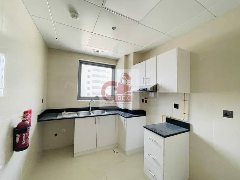 2 Brand new 1bhk with 30 days free near to metro station all amenities on sheikh zayad road
