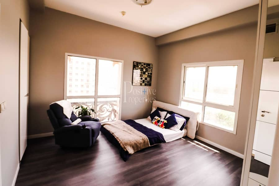 2 FULLY FURNISHED|EXTRAVAGANT MATERIAL|ONE BEDROOM