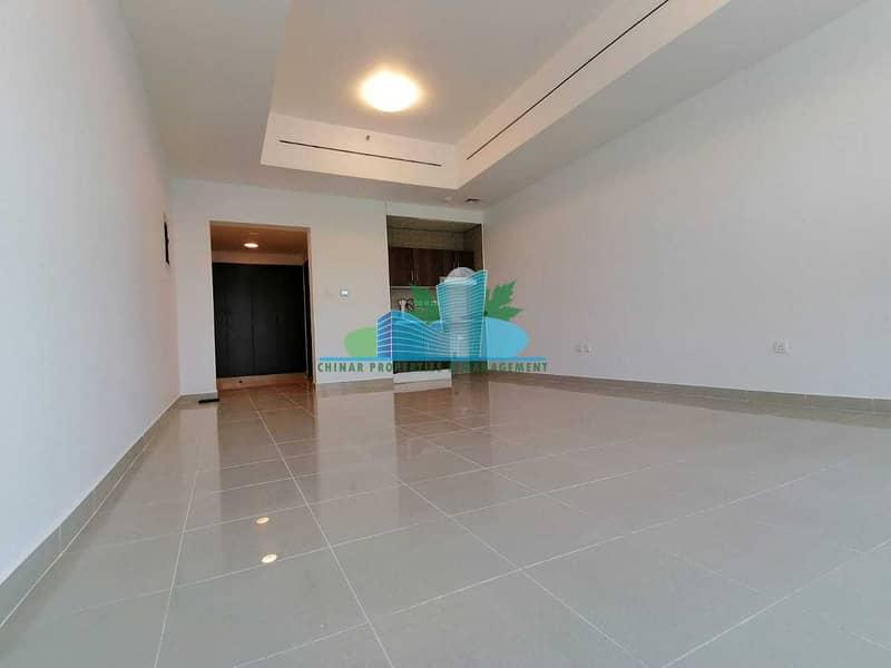 شقة في شارع إلكترا 2 غرف 70000 درهم - 5379378