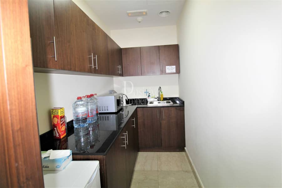 19 FULLY FURNISHED|SPACIOUS|FULLY FITTED|VACANT