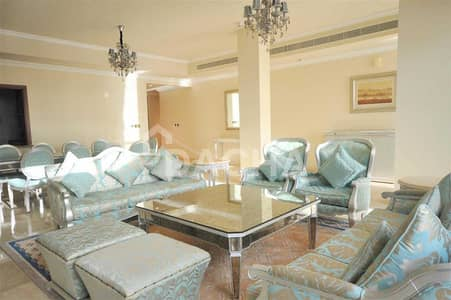 4 Bedroom Townhouse for Rent in Palm Jumeirah, Dubai - Luxury Penthouse / Big terrace / Private Pool