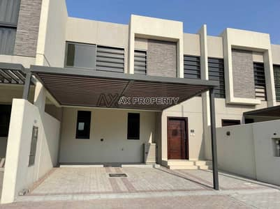 3 Bedroom Townhouse for Sale in DAMAC Hills 2 (Akoya Oxygen), Dubai - Ready to Move- Singal  Raw- No commition - 10 year payment plan.