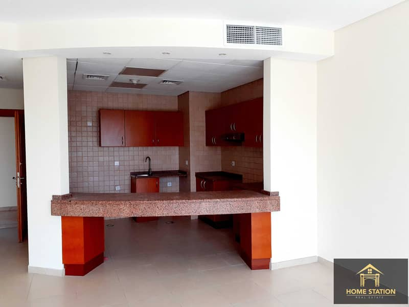 2 Vacant 1 BR  with Pool/Garden view