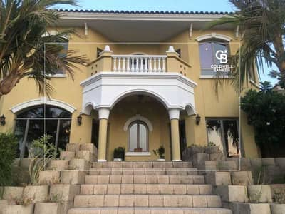 فیلا 5 غرف نوم للبيع في نخلة جميرا، دبي - Amazing villa with private beach and full sea view!