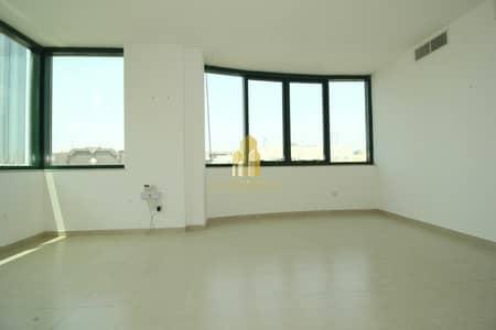 1 Bedroom Apartment for Rent in Hamdan Street, Abu Dhabi - 1 Master bedroom flat | Parking slots available underground