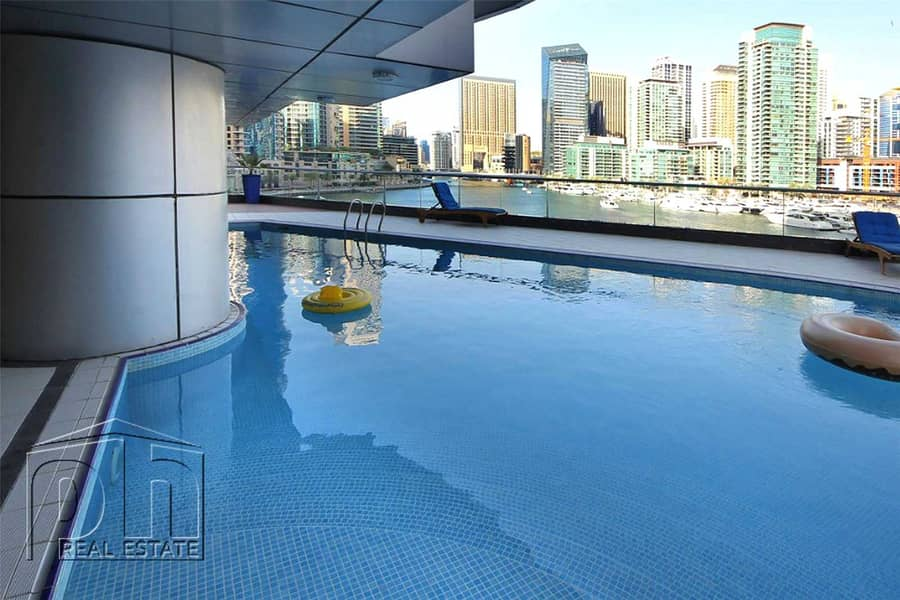 9 Stunning 1 Bed with great views & modern furniture