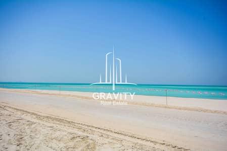 فیلا 6 غرف نوم للايجار في جزيرة السعديات، أبوظبي - Direct on the Beach 6 Bedroom Villa in Hidd Al Saadiyat
