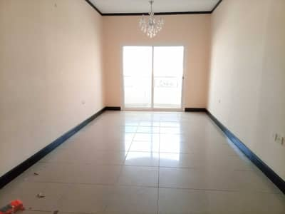 2 Bedroom Apartment for Rent in Al Mujarrah, Sharjah - NEAR TO CORNICHE READY TO MOVE BIG SIZE 2 BEDROOM FLAT WITH BALCONY CENTRAL AC CENTRAL GAS IN 32K