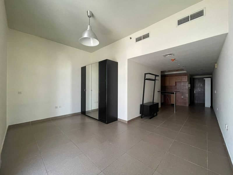 2 Spacious   Well Maintained   Ready to Move in