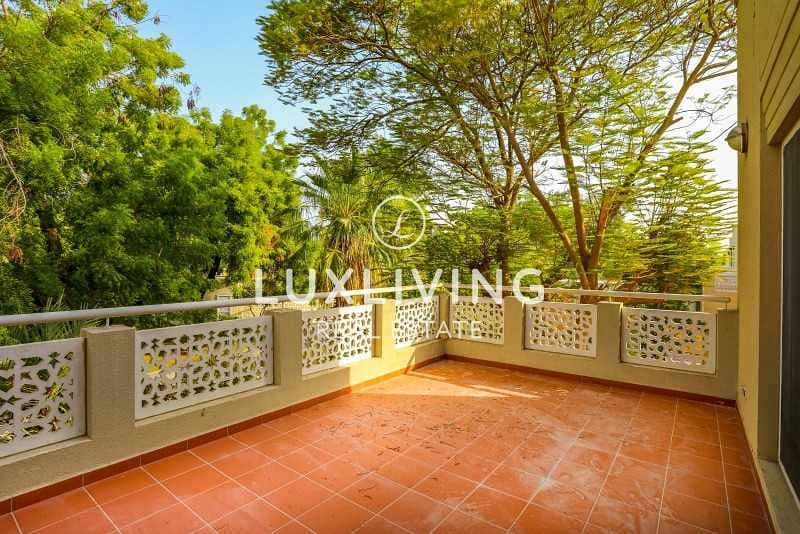2 Well Maintained   Great Location   Sky View  