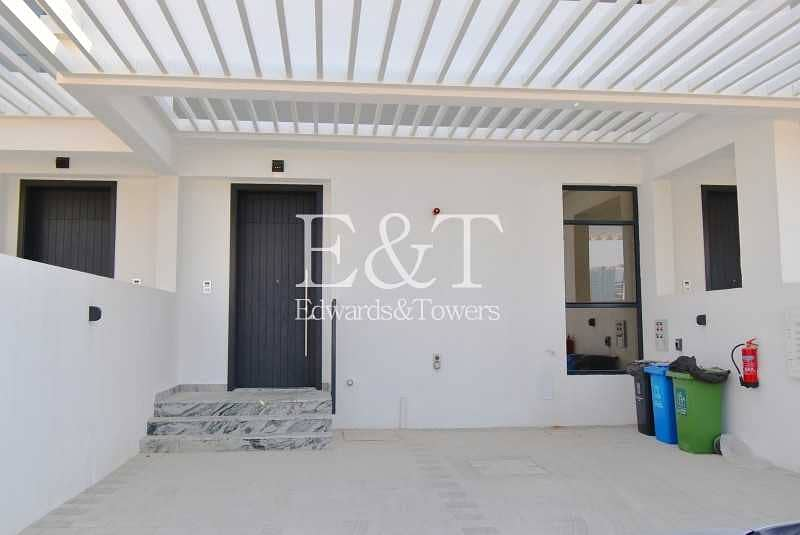 2 4 Beds|MODERN | CONTEMPORARY | BRAND NEW townhouse