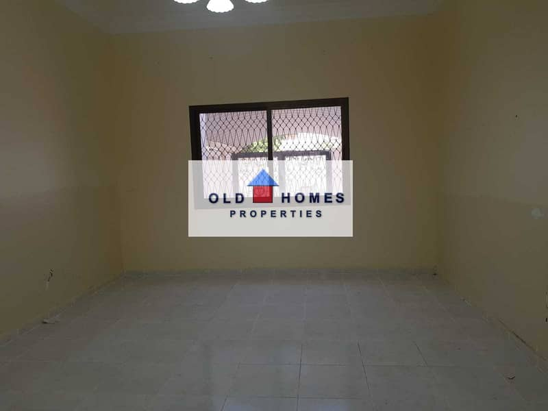 13 For rent in Karama area 5 rooms on the main street