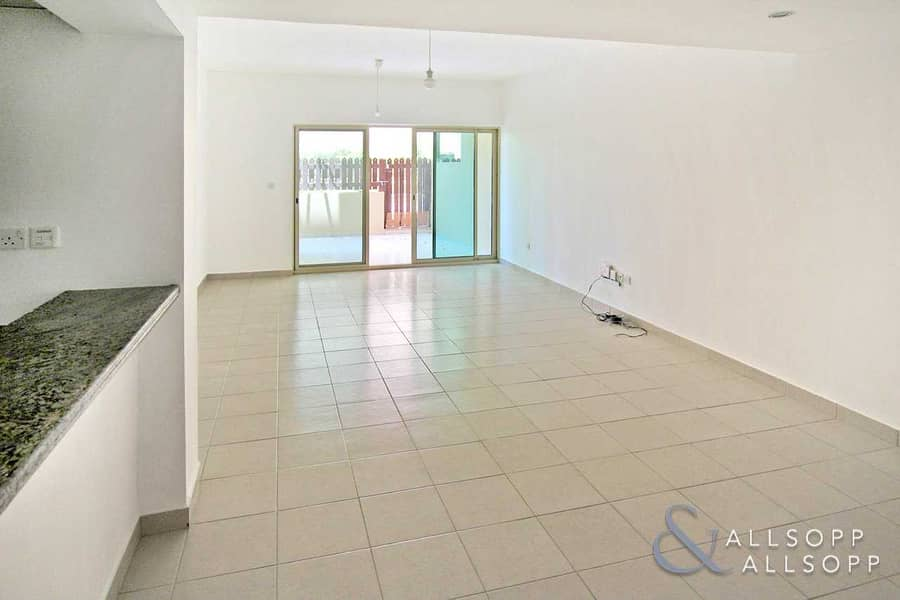 2 Courtyard | Chiller Free | One Bedroom