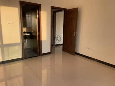 شقة 1 غرفة نوم للايجار في ليوان، دبي - شقة في بناية بااري سمر ليوان 1 غرف 30000 درهم - 5382354