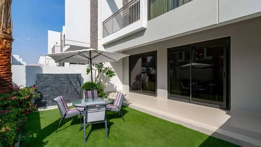 4 Bedroom Townhouse for Sale in DAMAC Hills 2 (Akoya by DAMAC), Dubai - Comfortable Four-Bed in Claret