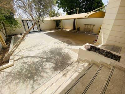 فیلا 7 غرف نوم للايجار في المطار، أبوظبي - Good Offer! Beautiful Villa   7 Master bedrooms with Maid room   Well Maintained   Flexible Payment.