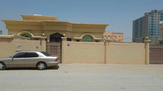 Villa for rent Ajman area Zahra second piece of Tuniss Street very excellent place