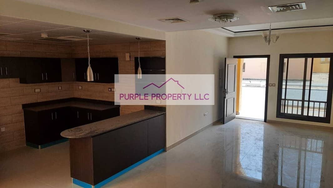 Hot Deal! Corner Villa! Open kitchen! Best for Investment! Call now