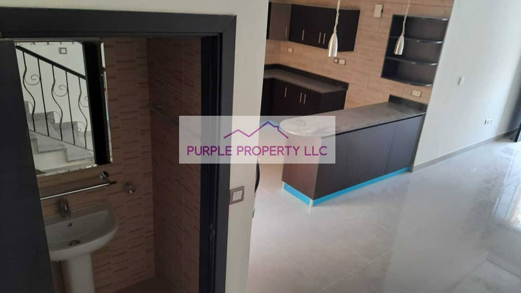 2 Hot Deal! Corner Villa! Open kitchen! Best for Investment! Call now