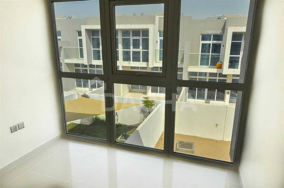 19 Brand New / Resale / 50 Meters from the Pool / View Today