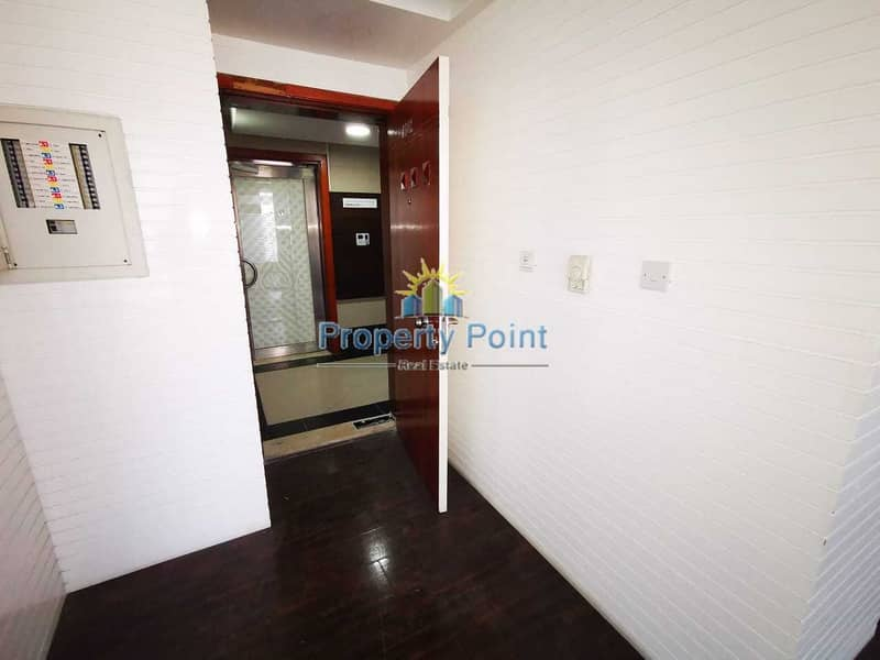 10 87 SQM Office Space for RENT | Airport Street