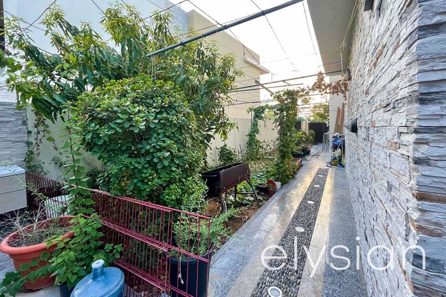 13 Stunning 3 Bedroom + M   Townhouse Damac Hills