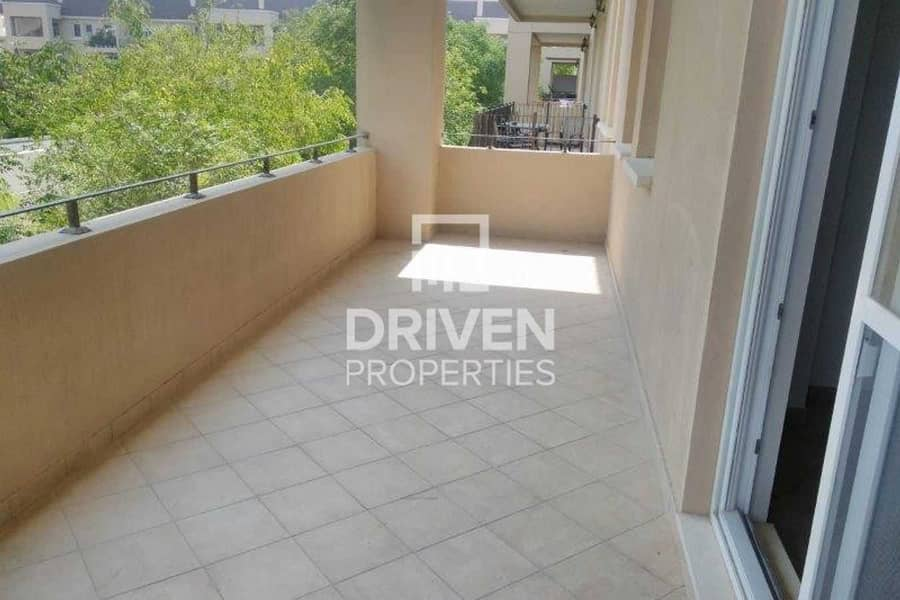 2 Garden View | Close to Pool and Park Apt