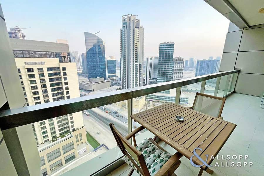2 1 Bed | High Floor | Balcony | Canal View