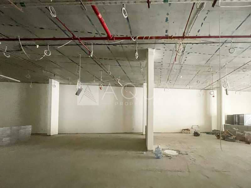 Huge Retail Shell n Core Space | Clover Bay