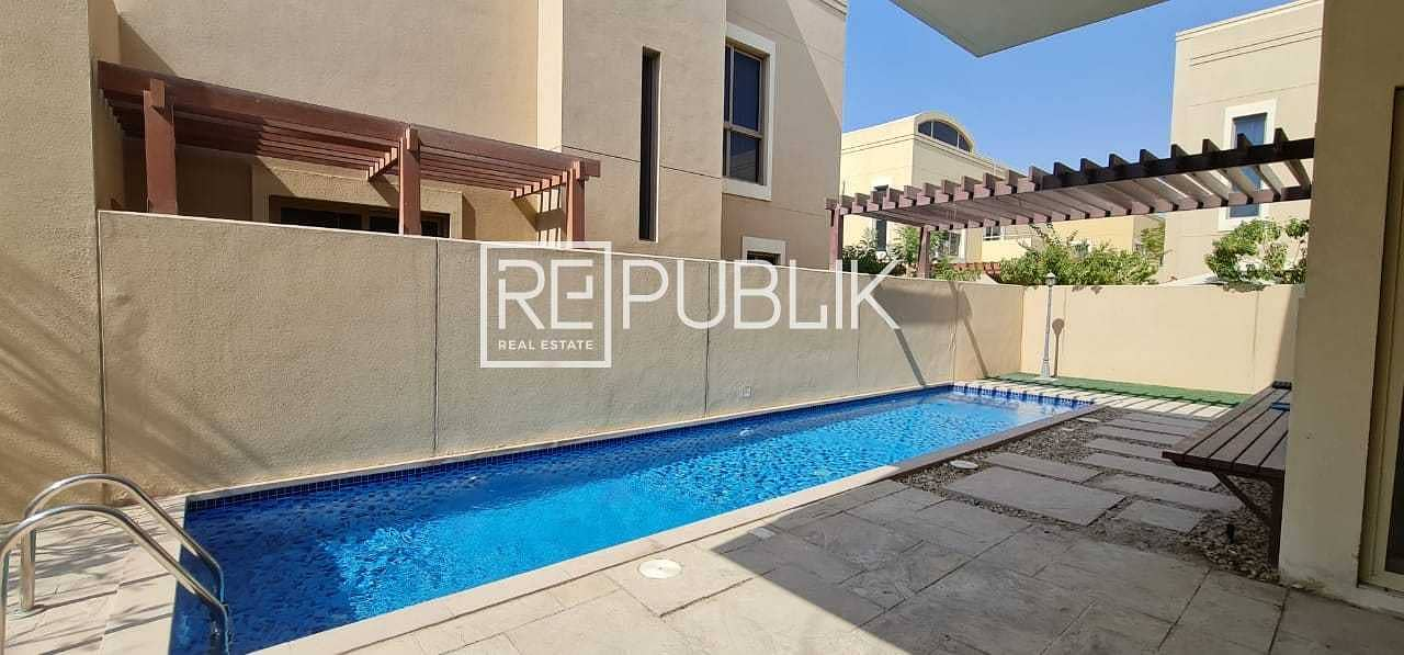Fabulous 4 Beds Villa with Private Pool and Garden