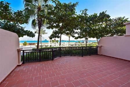 1 Bedroom Flat for Rent in Palm Jumeirah, Dubai - G Floor   Sea Facing    Large Terrace   Going Fast