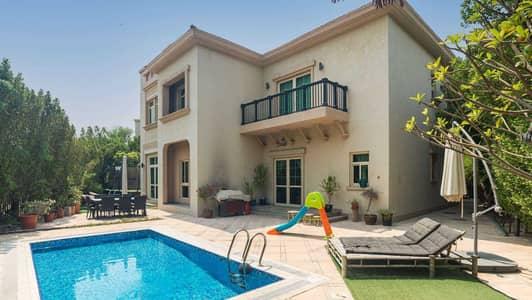 4 Bedroom Villa for Sale in Jumeirah Islands, Dubai - European-Style Home with Large Garden