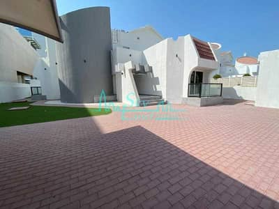 4 Bedroom Villa for Rent in Umm Suqeim, Dubai - Refurbished 4 Bed+Study+M Villa With A Private Pool