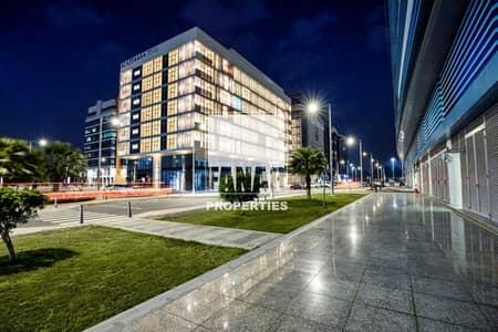 فلیٹ 1 غرفة نوم للايجار في المطار، أبوظبي - Big Layout Brand New Apartment w/ Full Facilities