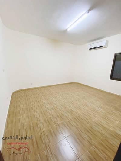 استوديو  للايجار في الوحدة، أبوظبي - Amazing studio in opposite of Al Wahda Mall for monthly rent