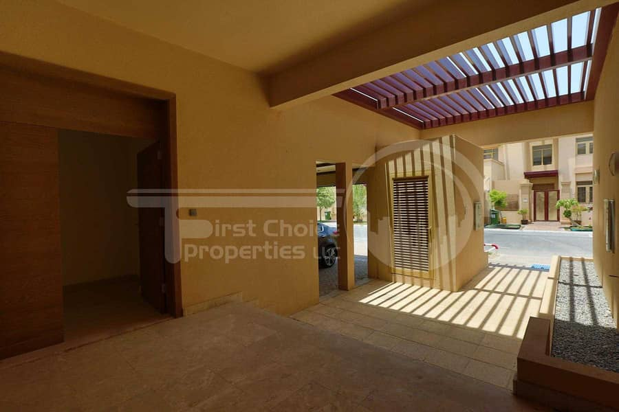 10 Negotiable | Luxurious Townhouse | Call us
