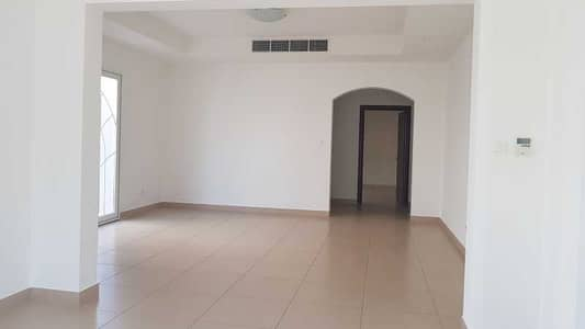 4 Bedroom Villa for Rent in Dubai Silicon Oasis, Dubai - Well Maintained | Traditional Style | Quite Location