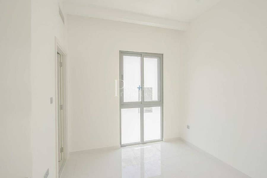 2 END UNIT |  READY TO MOVE | AMAZING LOCATION