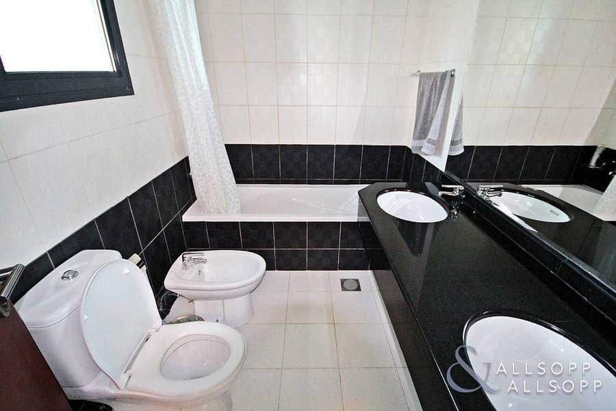 11 3 Bedrooms   Furnished   Large Terrace