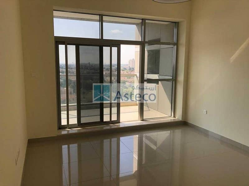 2 Bedroom| Golf Course View |Vacant |Chiller Free