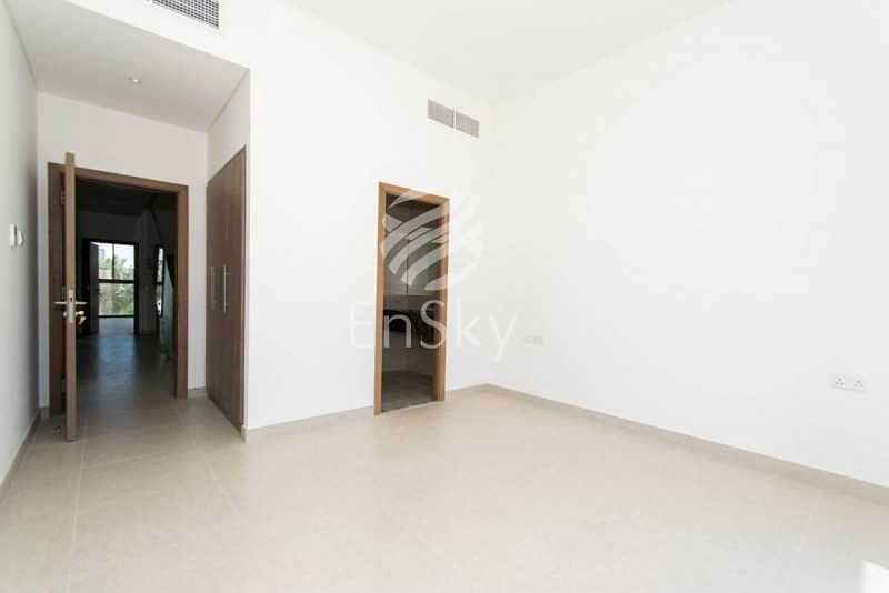 2 Spacious 5 Bedroom TH Ready to move